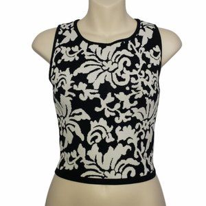 FOREVER 21 black and white floral crop top small